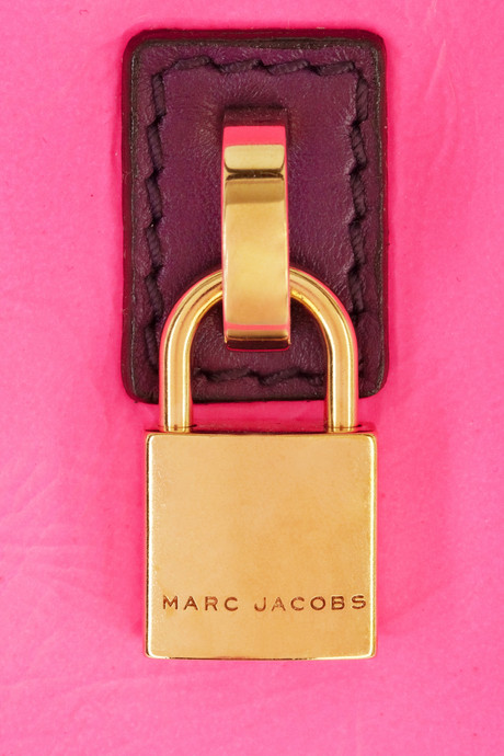 marc-jacobs-love-bird-leather-tote-2