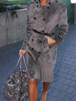 Виктория Бэкхем с сумкой от Valentino