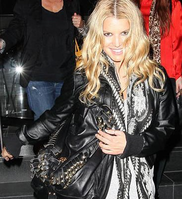 Джессика Симпсон с сумкой от Roberto Cavalli