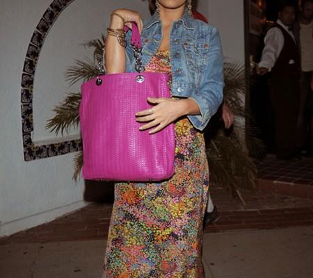 Джессика Симпсон с сумкой от Dior