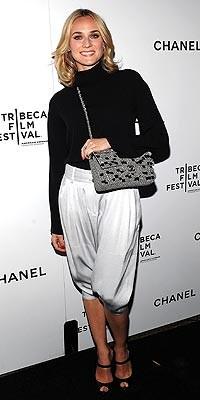 Диана Крюгер с сумочкой от Chanel