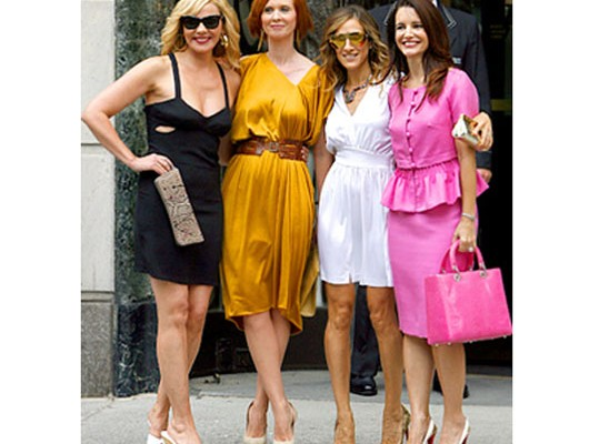 Кристин Дэвис с сумочкой от Dior