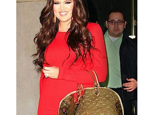 Хлое Кардашьян с сумкой от Louis Vuitton