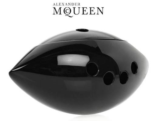 Сюрреалистический клатч от Alexander McQueen
