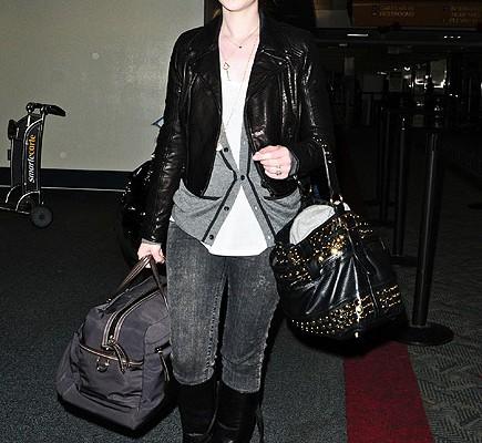 Мишель Трахтенберг с сумкой от Rebecca Minkoff