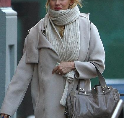 Naomi Watts с сумкой Mabel от Mulberry