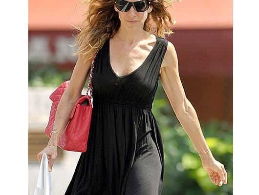 Сара Джессика Паркер с сумкой от Chanel