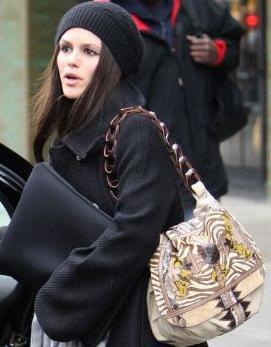 Рэйчел Билсон с сумкой от Jimmy Choo