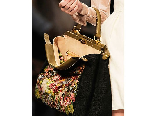 It Bag: Peek-A-Boo от Fendi